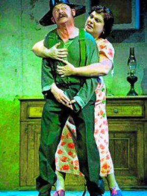 """Rafa Núñez y Teté Delgado en""""Los Cuernos de Don Friolera"""".Teatro Español, Madrid."""