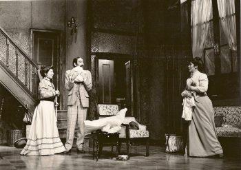 """Alicia Hermida, Félix Rotaeta y Salomé Guerreroen""""Las Bragas"""". Teatro Bellas Artes, Madrid."""